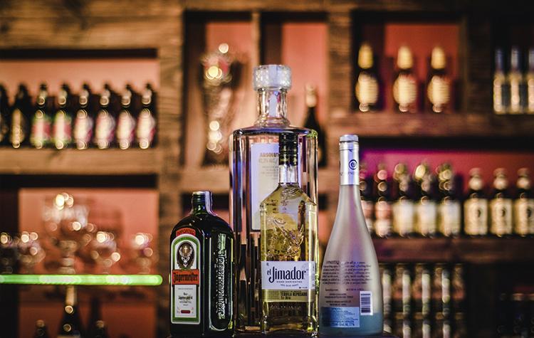 Bar Estudio 54 y Bar Cristales